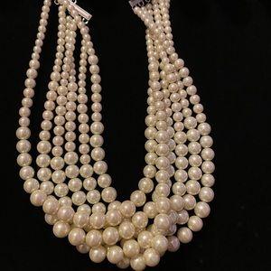 Lia Sophia Uptown pearl necklace!!